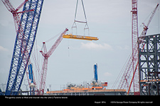 The gantry crane is lifted and moved into the Unit 3 turbine island.